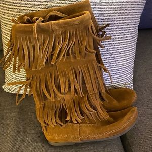 Minnetonka Suede Fringe Boots